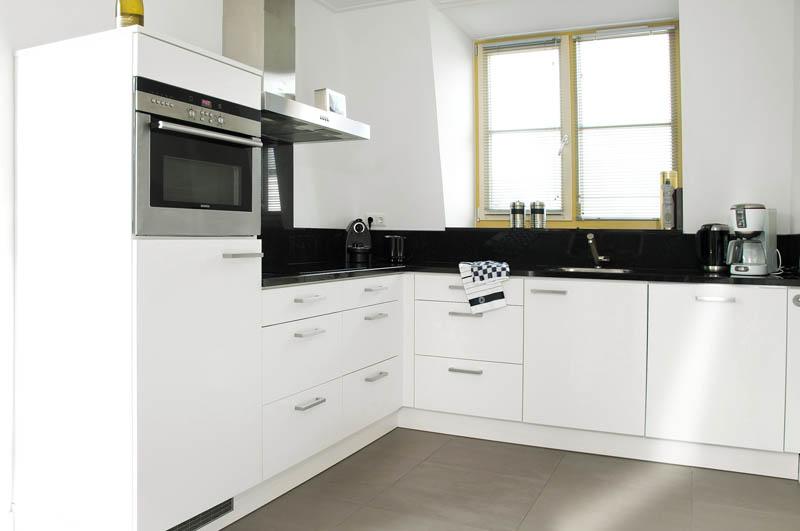 Duynvallei 27 extra luxe 6 persoonsvilla vakantie aan zee duinvallei schoorl - Winkel raam keuken ...